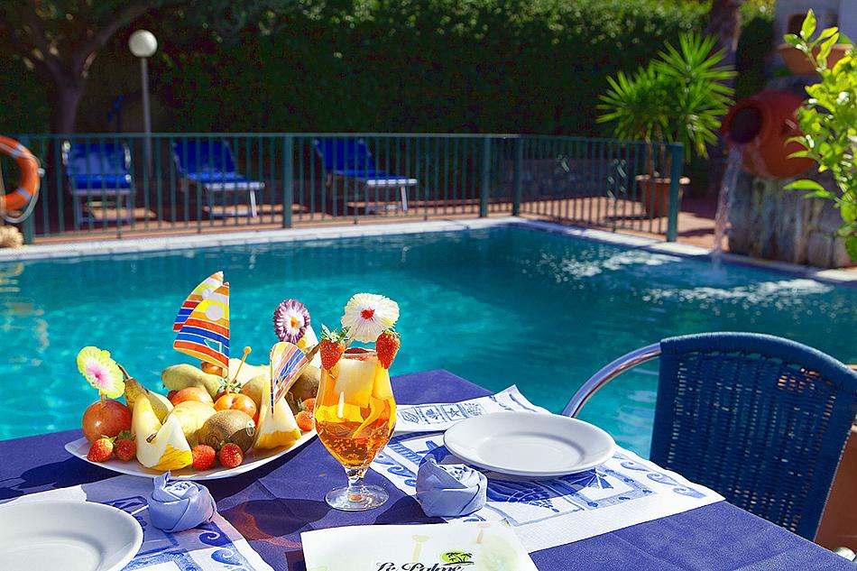 Pranzo in piscina