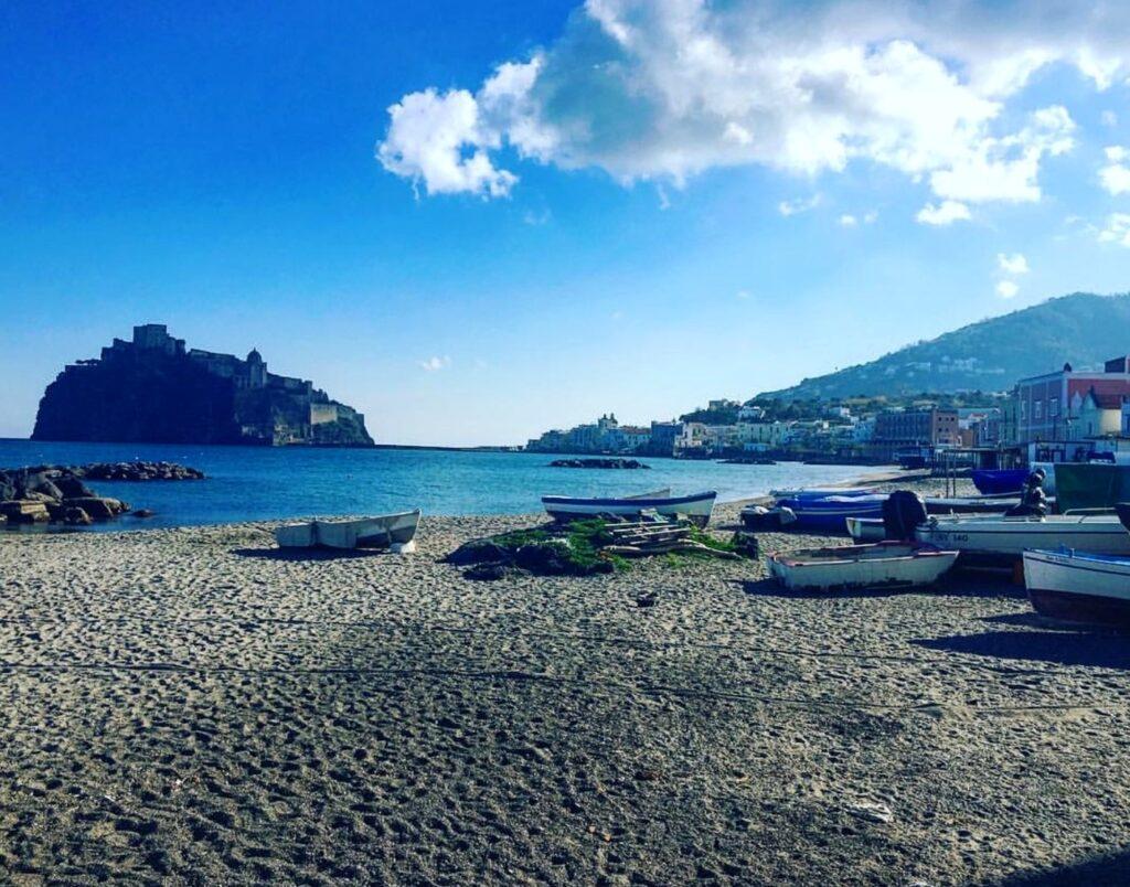 Spiaggia dei Pescatori a Ischia Porto